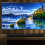 UHD TV Curved in a living room