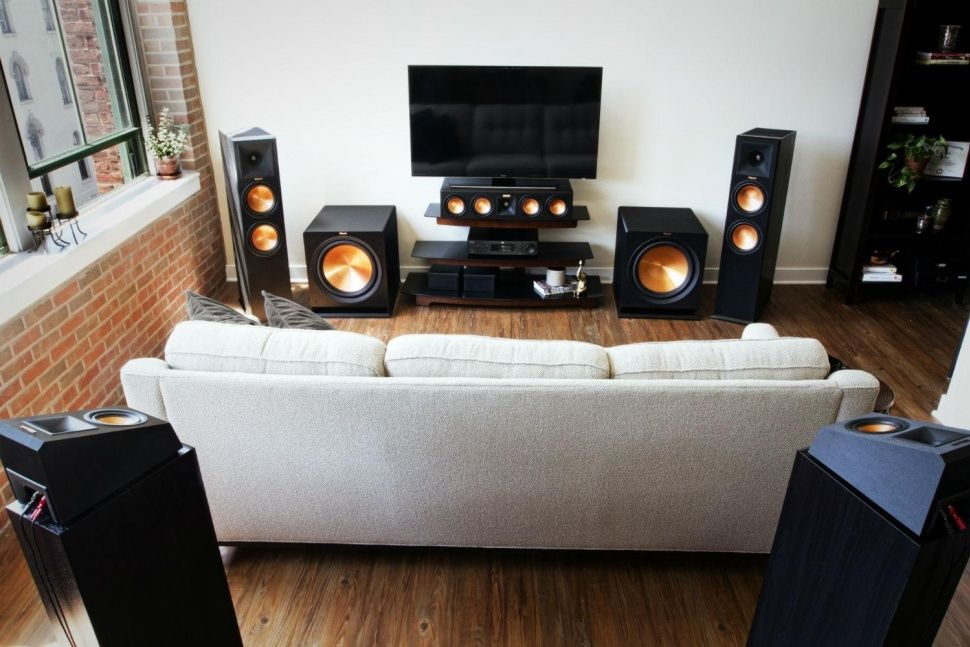 Klipsch 7.2 Surround Sound Speakers Double Sub Woofers Living Room