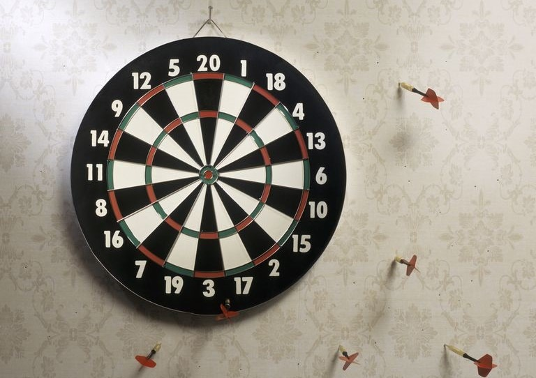 darts miss dartboard