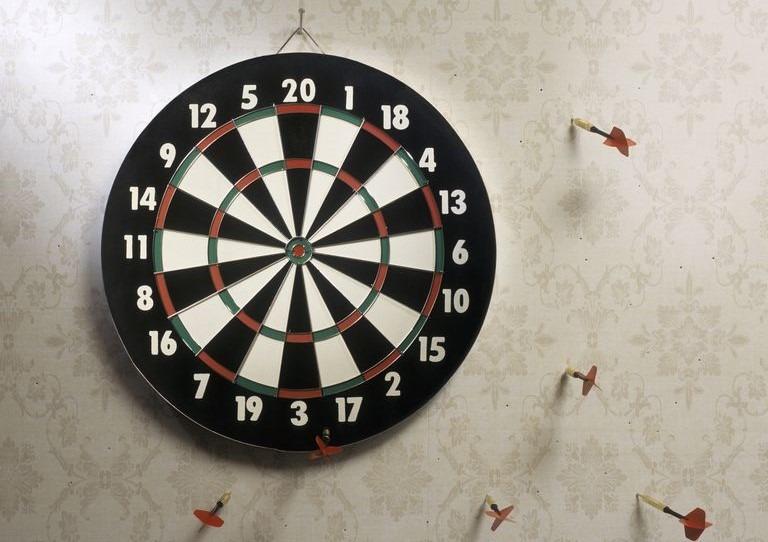darts miss dartboard