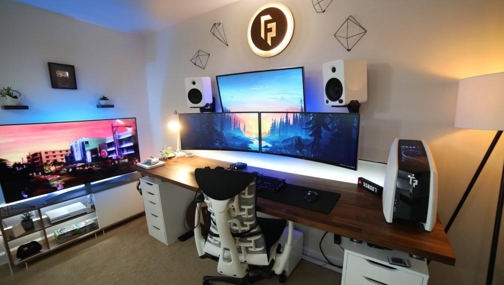 Gaming Setup Tv Monitor